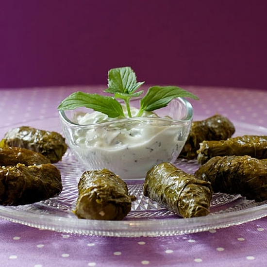 VINE LEAVES WITH BULGUR & MINT